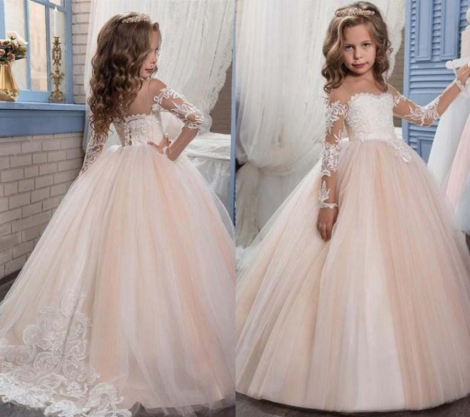 317ebb656 بالصور: 10 أجمل موديلات فساتين أطفال للمناسبات وحفلات الزفاف لعام ...