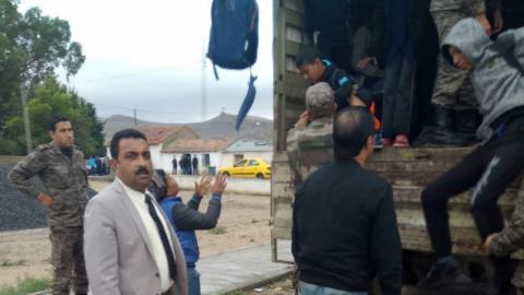 الكاف: الجيش يتدخل لتسهيل وصول التلاميذ إلى منطقة المحجوبة إثر فيضان واد سراط