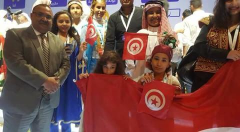 """الوفد التونسي المشارك في """"تحدي القراءة العربي"""" بدبي"""
