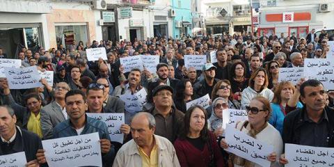 الأساتذة في يوم غضب وطني بساحة محمد علي في العاصمة
