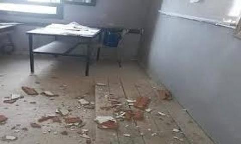"""القصرين: سقوط جزء من سقف قاعة الامتحانات بـ""""إعدادية ابن عرفة"""" في سبيطلة"""