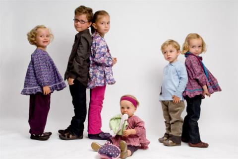طرق لإعادة استخدام ملابس أطفالك في الربيع والصيف