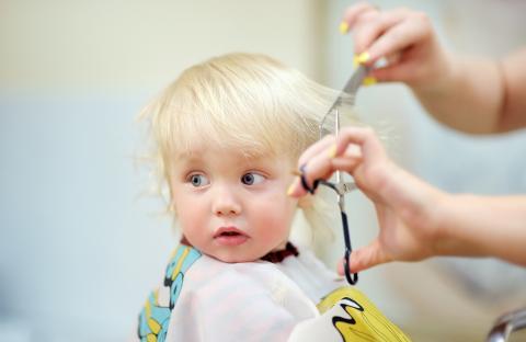 نصائح لقص شعر طفلك في المنزل