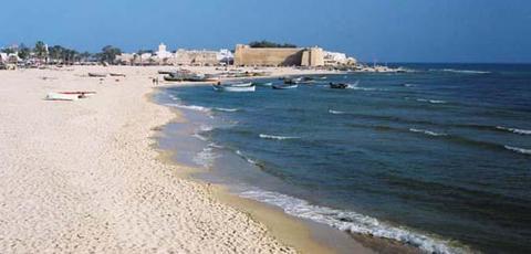 وزارة الصحة تحذّر من السباحة في 21 شاطئا