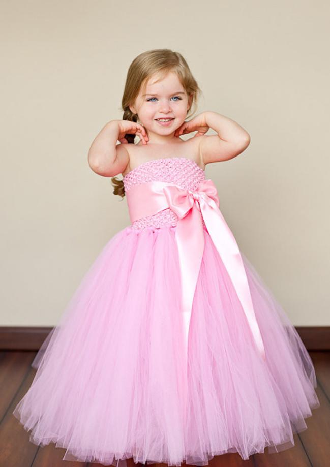 314dd99ff بالصور: 10 أجمل موديلات فساتين أطفال للمناسبات وحفلات الزفاف لعام 2018