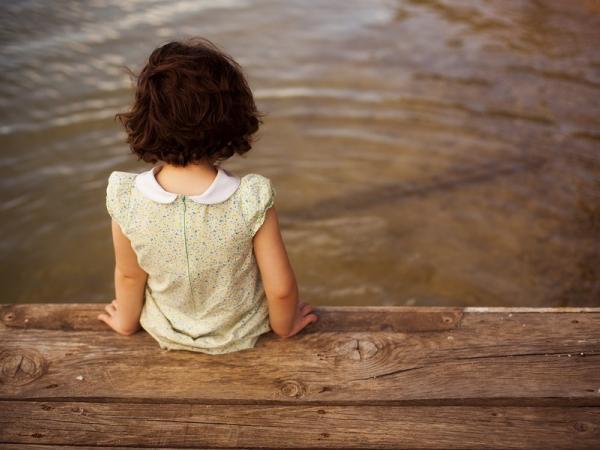 علامات الحرمان العاطفي لدى الأطفال