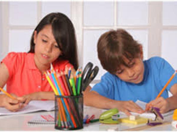 الواجبات المدرسية للتلاميذ خارج المدرسة: اختيار أم ضرورة؟