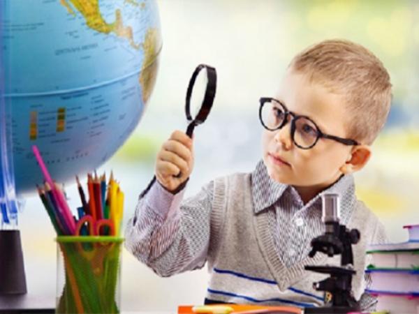 صفات الطفل الفائق الذكاء