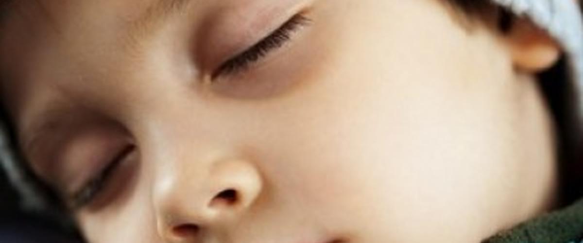 لهذه الأسباب تظهر الهالات السوداء عند طفلك